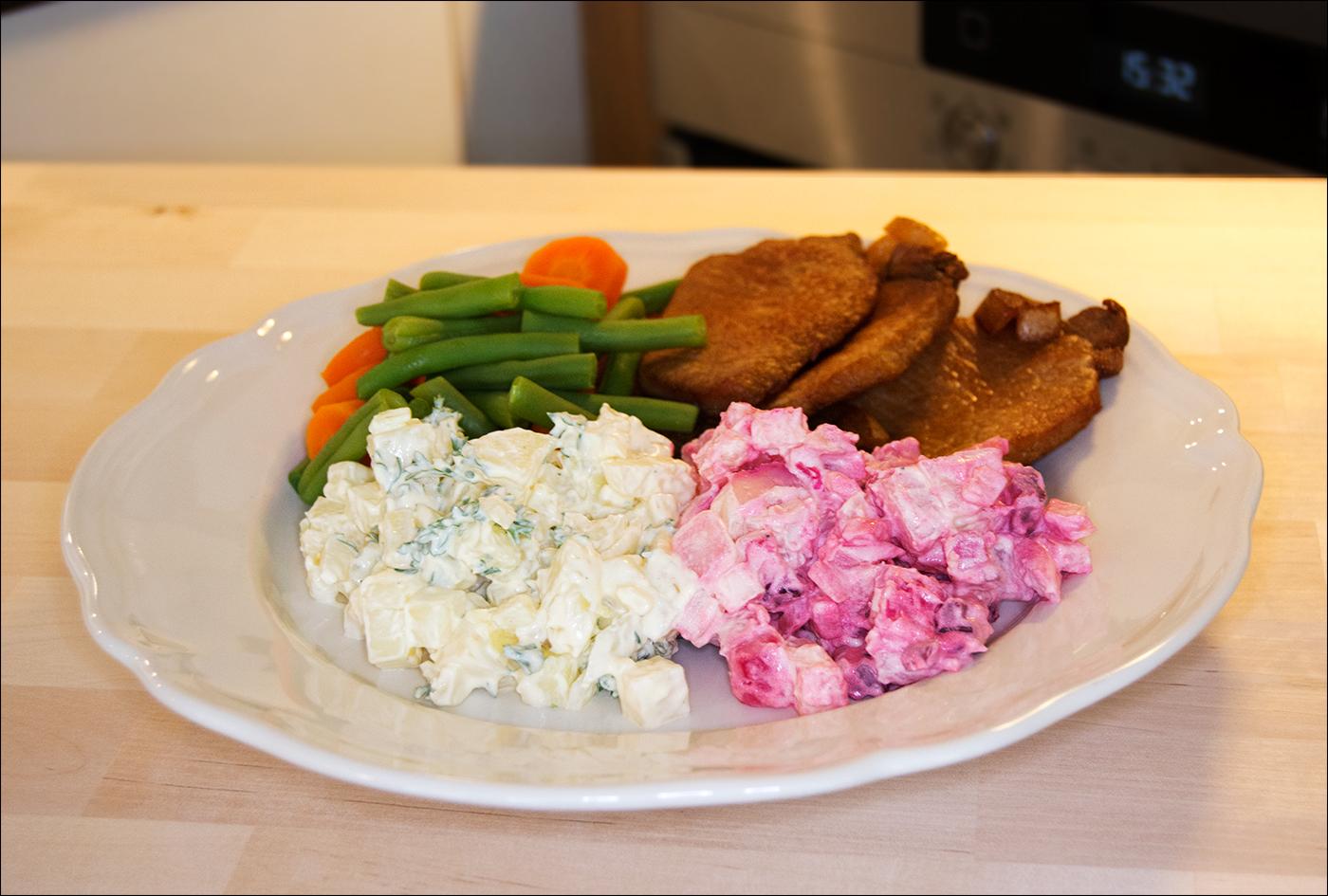 Hjemmelaget potetsalat, kan varieres i det uendelige . Lett å lage, smaker så utrolig mye bedre enn ferdig-varianter ...